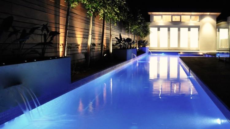 Yogabean Studio w pool